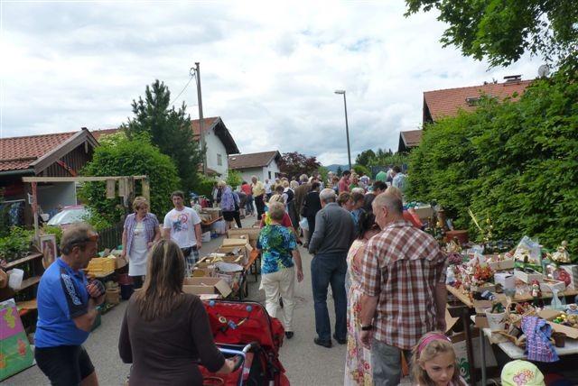 Flohmarkt im Blombergweg
